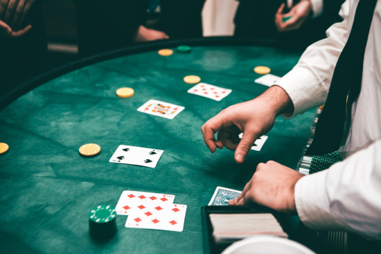 Advantages of playing free online slots games